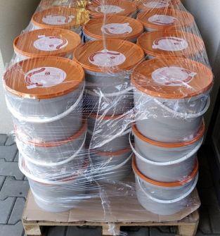 Pokarm pszczeli syrop, ApiVital 165 kg, wiaderka, karnistry po 15 kg - 4,33 zł za kg